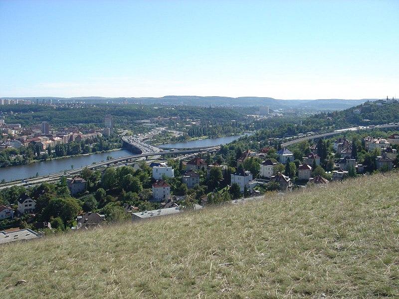 File:Praha - Děvín - View SSE on Zlíchov, Barrandov Bridge & Modřany.jpg