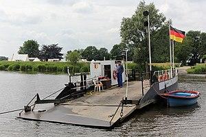Prahmfähre Brobergen - Cable Ferry Brobergen 3627.jpg