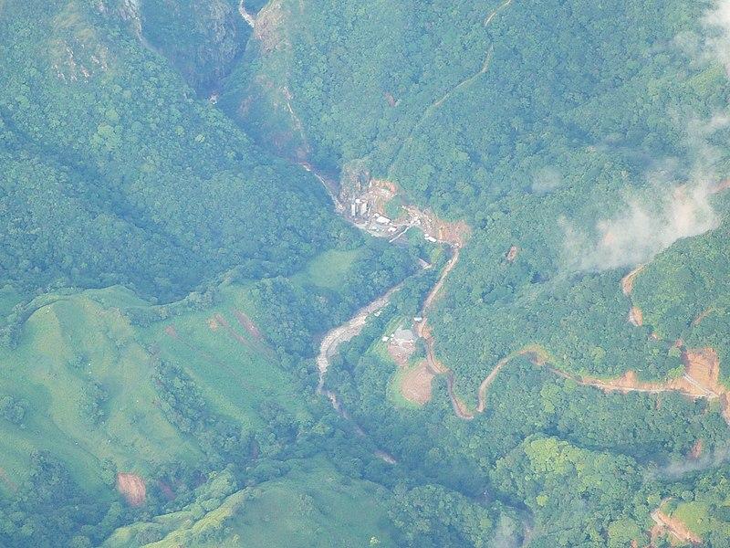 File:Presa y Escombrera 7. p. H. El Encanto - panoramio.jpg