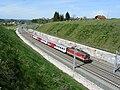 Pyhrnbahn bei Wartberg an der Krems 2002-04-28.jpg