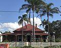 Queenslander house in Sandgate, Queensland 02.jpg