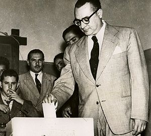 El Trienio Adeco - Rómulo Betancourt voting in the 1946 elections