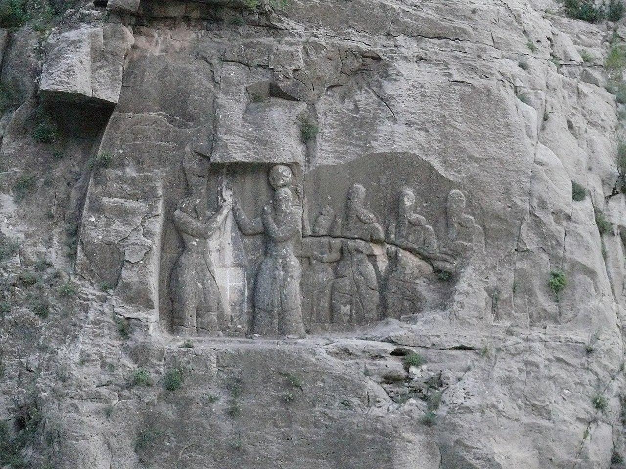 نقش تاجستانی اردشیر