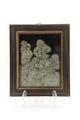 Relief av pärlor samt pärlemor intryckta i vax föreställande dryckesscen - Skoklosters slott - 92343.tif