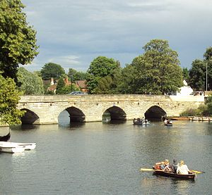 Stratford-upon-Avon - Clopton Bridge allowed trade to flourish in Stratford