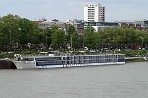River Discovery II (ship, 2012) 002.JPG