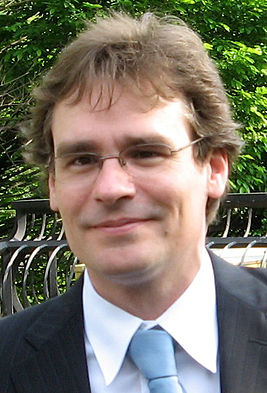 Robert Sean Leonard cropped.jpg