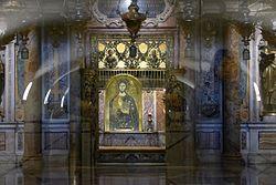 Rom, Vatikan, Petrusgrab unterhalb des Papstaltars des Petersdoms in den Vatikanischen Grotten.jpg