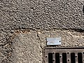 Rue Fayolle (Lyon) - plaque du constructeur de la plaque d'égout.jpg