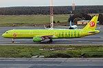 S7 Airlines, VQ-BQI, Airbus A321-211 (16268760140) (2).jpg