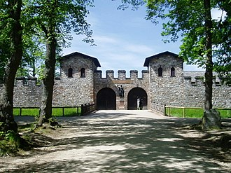 Saalburg - The Porta Praetoria (main gate), and circuit wall