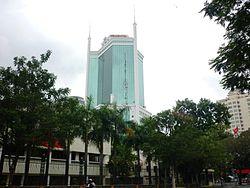 Saigon Trade Center vươn mình trong nắng
