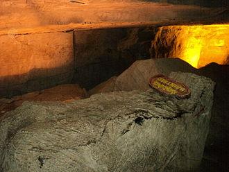 Belum Caves - Saint Bed inside Belum Caves