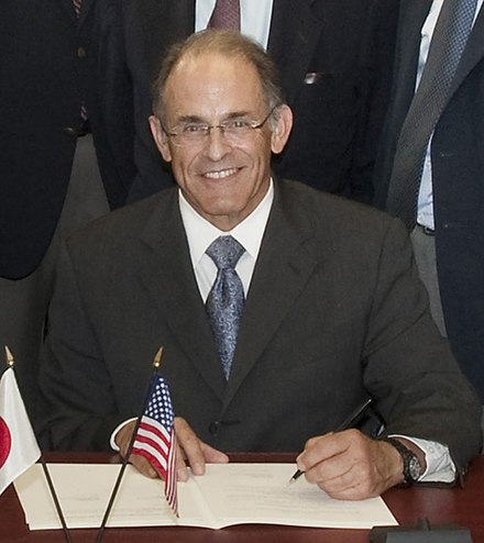Sam Aronson at 2012 signing of Riken-BNL agreement renewal