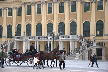 English: Schönbrunn Palace in Vienna, Austria