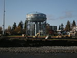 Seattle - Maple Leaf water tower 01.jpg