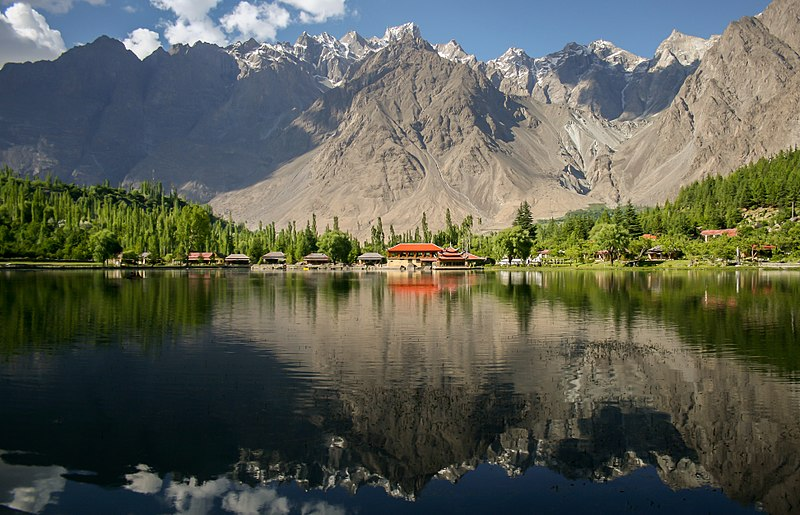 Lower Kachura lake at Shangrila resorts, Skardu, Pakistan. Wiki Loves Earth 2015 winning picture. By Zaeemsiddiq, freely licensed under CC-BY-SA-3.0, via Wikimedia Commons
