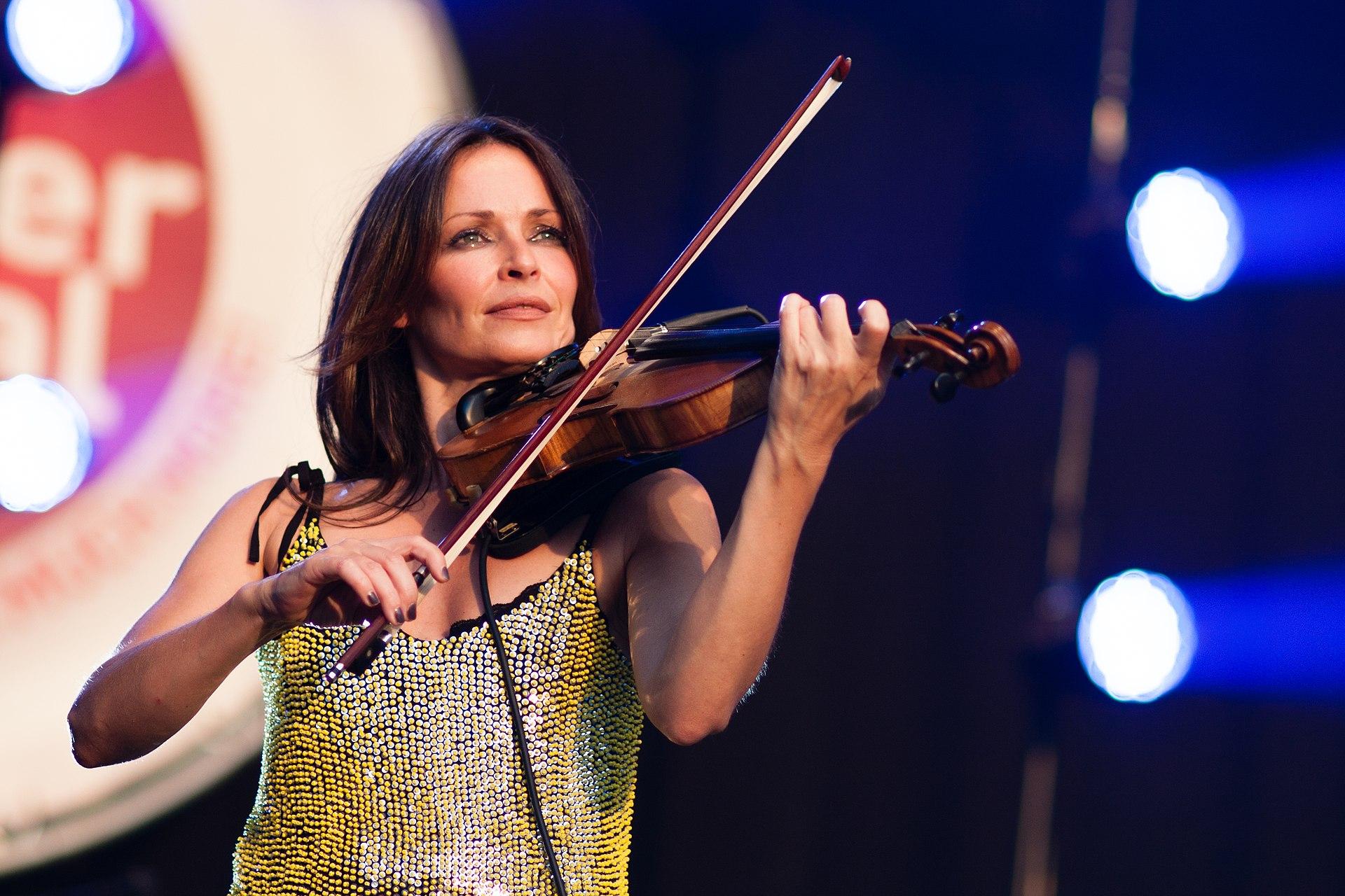 100+ Rosie Langley Violin – yasminroohi