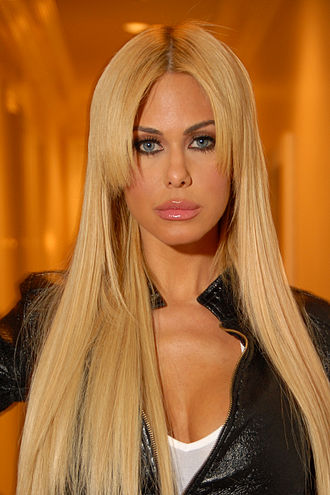 Shauna Sand - Sand in April 2009