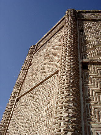 Shebeli Tower - The brickwork recalls Seljuq craftsmanship