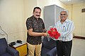 Shrikant Pathak Greets Prabhas Kumar Singh With Flowers - NCSM - Kolkata 2017-07-11 3384.JPG