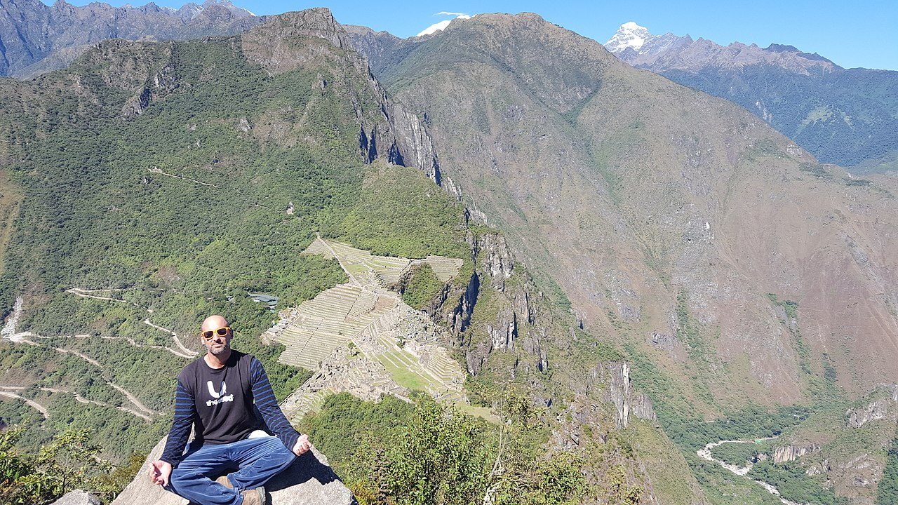 File:Simoncelli Above Machu Picchu, June 2016.jpg