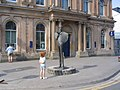 Sligo-Statue de Yeats devant la Bank of Ulster.JPG