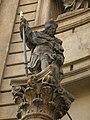 Sloup se sochou sv. Václava - vinařský(Staré Město), Praha 1, Křižovnické nám., při kostele, Staré Město - detail.JPG