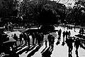 Sombras y personas, personas y sombras, todas juntas hacia Sol - panoramio.jpg