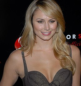 Stacy Keibler at Slim-Fast Fashion Show 15.jpg