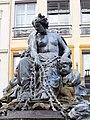 Statue fontaine place des Terreaux, Lyon.JPG