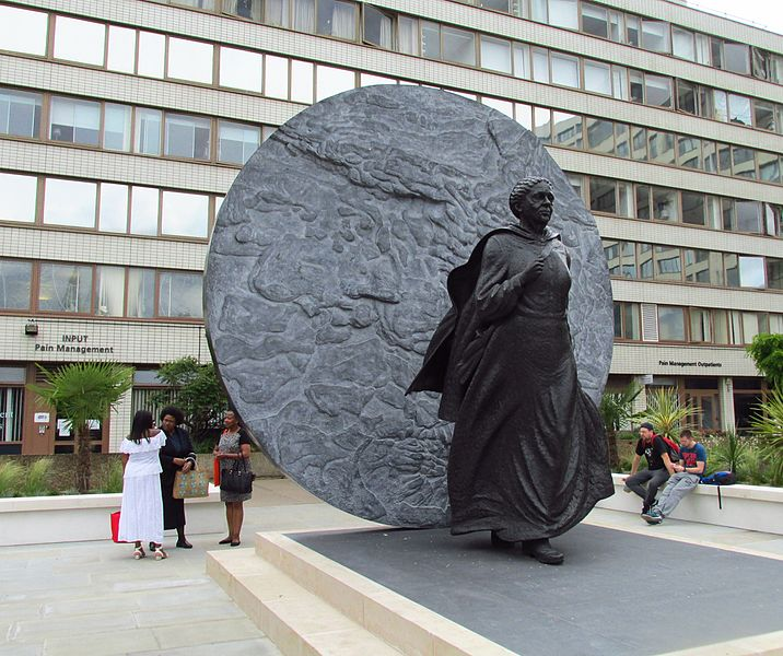 File:Statue of Mary Seacole (27984638952).jpg
