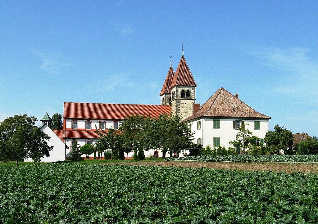 Stiftskirche St. Peter und Paul auf der Insel Reichenau (Bodensee)