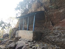 Stone inscription site of Chandravarman - Susunia hill.jpg