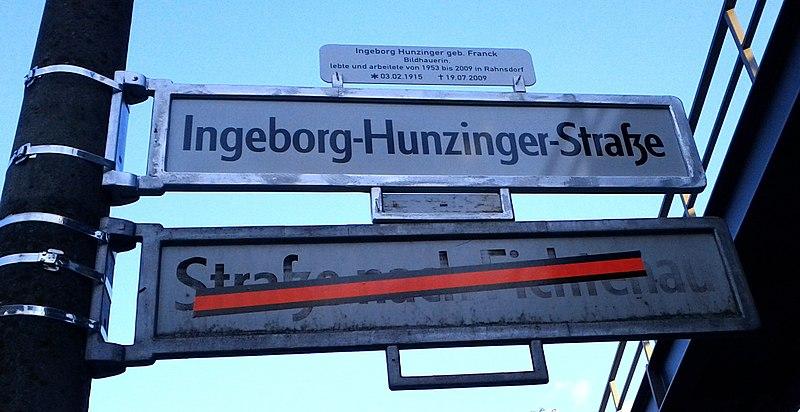 File:Street renaming Ingeborg-Hunzinger-Str Rahnsdorf.jpg