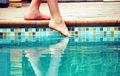 Tastant l'aigua d'una piscina.jpg