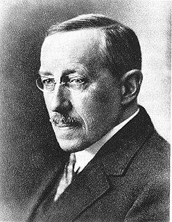 Swiss journalist and writer (1866-1934)
