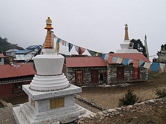 Tengboche Monastery - Chortens in Tengboche village