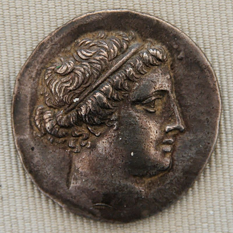 Tetradrachm Myrina crowned Apollo CdM.jpg