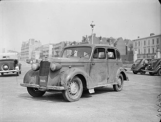 Vauxhall 14-6 - Image: The British Army in France 1940 F4304