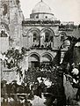 The Church of the Holy Sepulcher at Easter. Underwood & Underwood. 1910.jpg