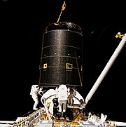 Three Crew Members Capture Intelsat VI - GPN-2000-001035
