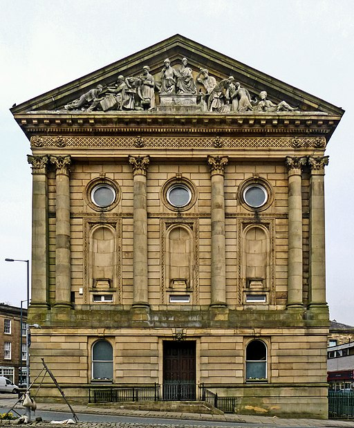 Todmorden Town Hall (13567831183)