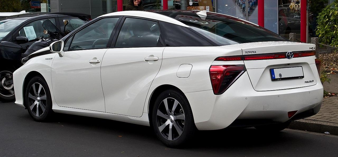 File:Toyota Mirai - Heckansicht, 11. November 2018 ...