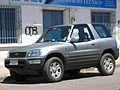 Toyota Rav4 1999 (9499594024).jpg