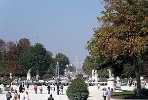 Tuileries Garden - The Tuileries Garden, looking from the large round basin toward the Place de la Concorde and Arc de Triomphe