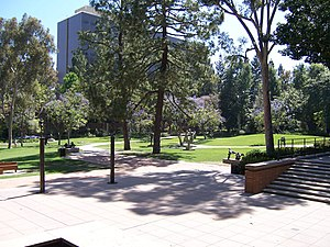 Franklin D. Murphy Sculpture Garden - Image: UCLA Franklin D. Murphy Sculpture Garden picture 2