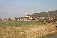 Všeň - pohled na obec od Žďáru.jpg
