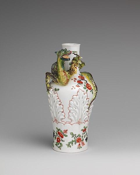File:Vase with coiling dragon MET DP167159.jpg