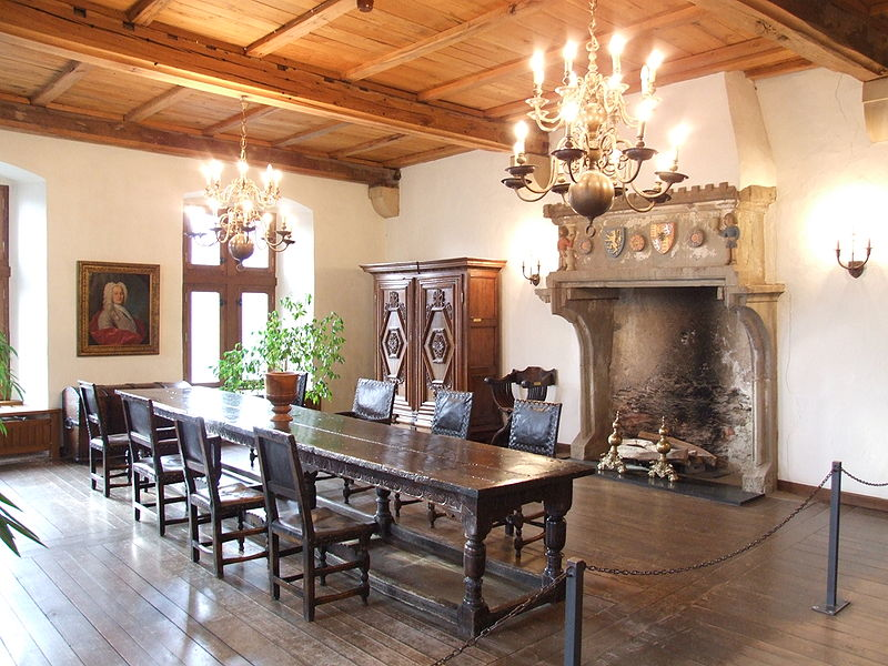 File:Vianden Castle - 9.jpg